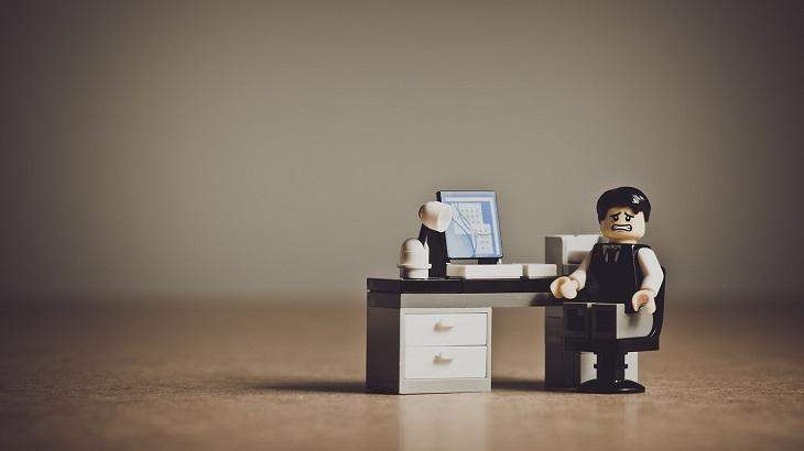 事業承継で知っておきたいトラブル事例と予防策【5分で読める経営知識】